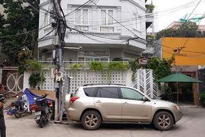 Vụ thẩm phán và giảng viên bị tố 'bắt' 3 cháu nhỏ: Trục xuất những người chiếm giữ ngôi nhà