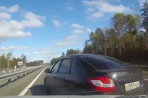 Gặp họa khi quyệt nhẹ vào ôtô khác ở vận tốc 160 km/h