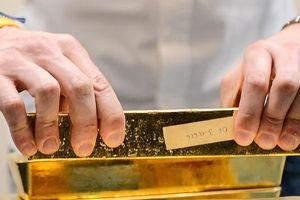 Vàng chốt tuần giảm 0,6% khi đồng USD mạnh lên