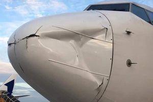 Va chạm với vật thể lạ trên không, máy bay Hàn Quốc hạ cánh khẩn cấp xuống sân bay Tân Sơn Nhất