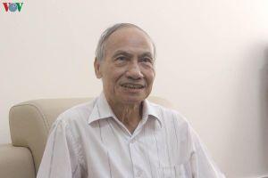 'Thẩm định SGK vẫn trên văn bản, trong phòng họp'