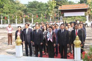 Chủ tịch Quốc hội Nguyễn Thị Kim Ngân thăm tỉnh Vientiane, Lào