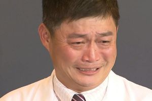 Bác sĩ bật khóc sau khi bị tố vô trách nhiệm khiến trẻ sơ sinh tử vong
