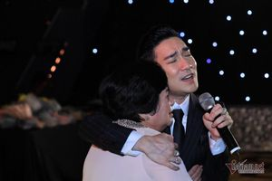 Quang Hà nói về đêm diễn đau lòng nhất, tiếng hát hòa tiếng khóc