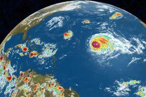 Cơn bão mạnh nhất từ trước tới nay hình thành ở trung tâm Đại Tây Dương
