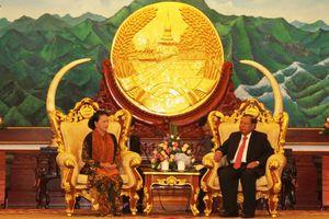 Chủ tịch Quốc hội hội kiến TBT-CTN Lào Bounnhang Vorachith