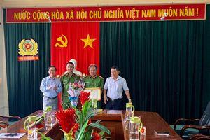 Quảng Ngãi: Khen thưởng Công an huyện Bình Sơn đánh sập đường dây dầu giả