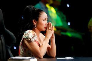 Nghệ sĩ Việt nghẹn ngào sau đêm diễn cuối của sân khấu kịch Hồng Vân