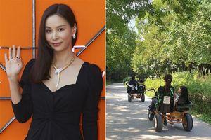Vợ Jang Dong Gun đăng ảnh du lịch bên chồng con