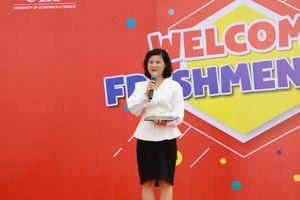 Sinh viên UEF tâm đắc với câu chuyện truyền cảm hứng của PGS.TS Vũ Thị Tú Anh