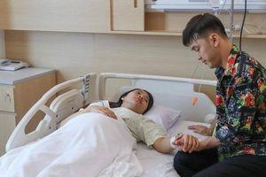 Ưng Hoàng Phúc hạnh phúc vỡ òa khi đón con gái với Kim Cương