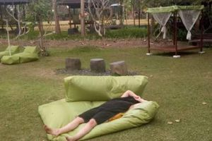 Tuyệt vọng vì hết tiền, người phụ nữ Australia khỏa thân ở Bali