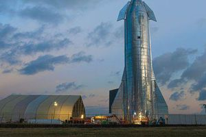 Elon Musk tiết lộ nguyên mẫu tên lửa Starship mới, dự kiến đưa người lên Sao Hỏa trong 6 tháng tới