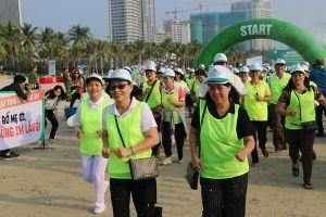 Đà Nẵng: Hơn 300 người chạy marathon 'Vì sự bình yên của trẻ thơ'