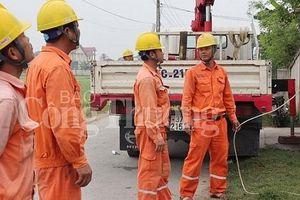 Nghệ An: Phấn đấu 50% khách hàng thanh toán tiền điện không dùng tiền mặt