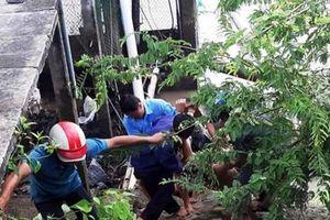 Sửa trạm bơm, 5 công nhân bị điện giật, hai người tử vong