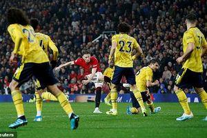 Vòng 7 Ngoại Hạng Anh: Sao trẻ mắc sai lầm tai hại, MU chia điểm với Arsenal
