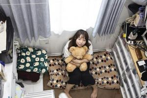 Giới trẻ Hong Kong, Nhật Bản sống trong căn hộ chỉ bé bằng phòng tắm