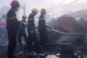 Cháy chợ huyện ở Thanh Hóa