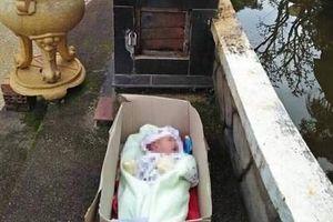 Xót xa bé trai 2 tháng tuổi bị bỏ rơi cùng lời nhắn của người mẹ…