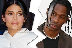 Kylie Jenner chia tay bạn trai sau 2 năm gắn bó và có 1 con chung