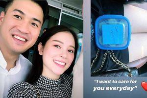 Vừa công khai chuyện tình cảm, Phillip Nguyễn đã khiến chị em mê mẩn vì hành động ấm áp dành cho bạn gái