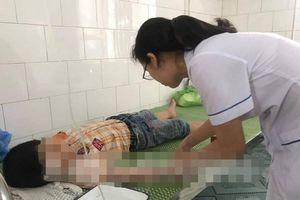 Hơn 60 học sinh ở Hải Dương đau bụng phải đến trạm y tế kiểm tra