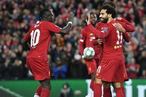 Hàng thủ tệ hại, Salah hóa người hùng giúp Liverpool thắng khó
