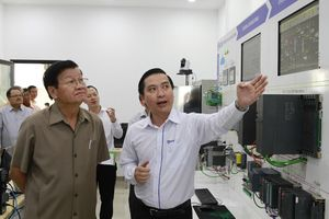 Thủ tướng Lào thăm Khu công nghệ cao Đà Nẵng