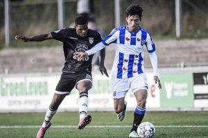 Bất ngờ với lý do Văn Hậu chưa có suất đá chính ở SC Heerenveen