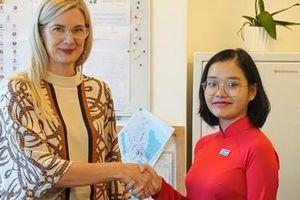 Một ngày làm Đại sứ Thụy Điển của cô sinh viên Hà Nội