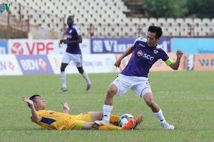 Nguyễn Văn Quyết nhận án treo giò từ VFF tới hết mùa giải