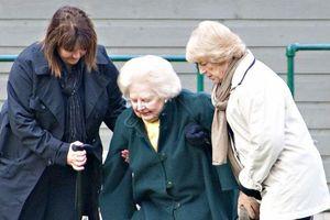 Bi kịch tuổi già chết trong cô quạnh của 'bà đầm thép' Margaret Thatcher