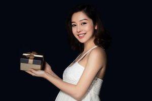 Mang thai lần 4, Hoa hậu Jennifer Phạm vẫn quyến rũ ở tháng thứ 6 thai kì