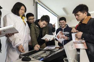Sinh viên Trung Quốc chuyển hướng du học do căng thẳng thương mại với Mỹ kéo dài