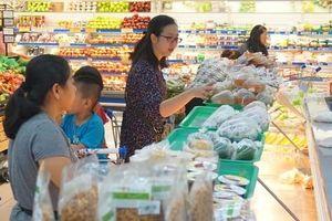 Thực phẩm chế biến sẵn 'lấn sân' siêu thị