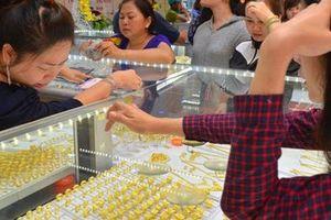 Giá vàng SJC tăng mạnh, vượt xa mốc 42 triệu đồng/lượng