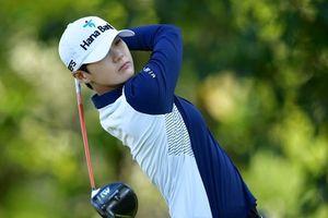 Nữ golf thủ nổi tiếng vì vẻ ngoài phi giới tính, đẹp như mỹ nam