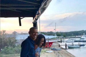 Kỷ niệm 27 năm ngày cưới, vợ chồng Barack Obama đăng ảnh gây sốt