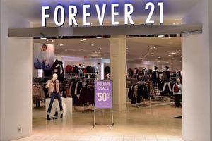 Từ hai bàn tay trắng đến doanh thu tỉ đô, cuối cùng Forever 21 lại phá sản vì lí do này