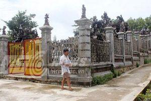 Bí ẩn lăng mộ 3 tạ vàng ở tận cùng Tổ quốc