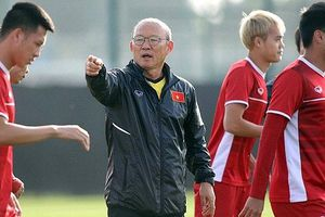 Vì sao HLV Park Hang Seo 'cấm cửa' báo chí tại trận đấu nội bộ giữa ĐTQG vs U22 Việt Nam?