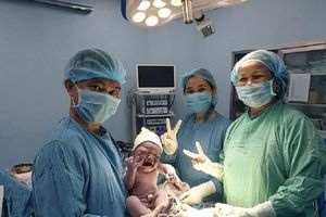 Sản phụ 80kg sinh con nặng tới 5kg