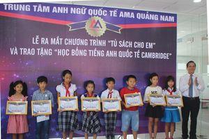 Quảng Nam: Trao tặng học bổng cho 15 em học sinh có hoàn cảnh khó khăn