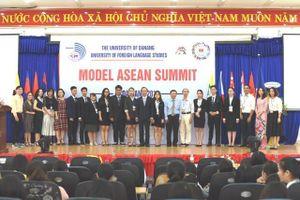 Sôi nổi chương trình 'Mô phỏng Hội nghị cấp cao ASEAN 2019' tại Đà Nẵng