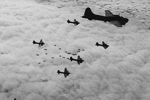 Vũ khí bí mật của Hitler: Máy bay ném bom dùng tia laser
