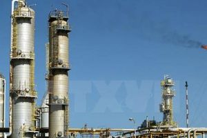 Giá dầu thế giới giảm tuần thứ hai liên tiếp