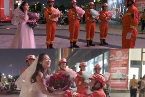 Nữ y tá vượt đường xa 400 km cầu hôn bạn trai gây sốt mạng xã hội