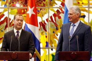 Thủ tướng Nga Medvedev đảm bảo nguồn cung xăng dầu cho Cuba
