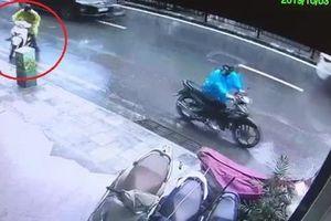 Cảnh trộm bẻ khóa xe SH chưa đến 20 giây ở Hà Nội